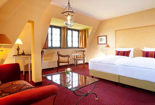 Romantikzimmer im Romanik Hotel auf der Wartburg in Eisenach